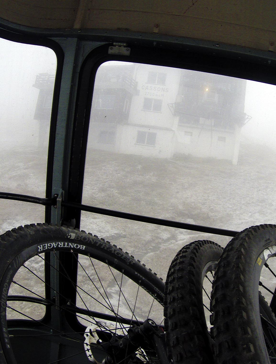 into_the_wild_bike_mountain_adventure_gondola_2
