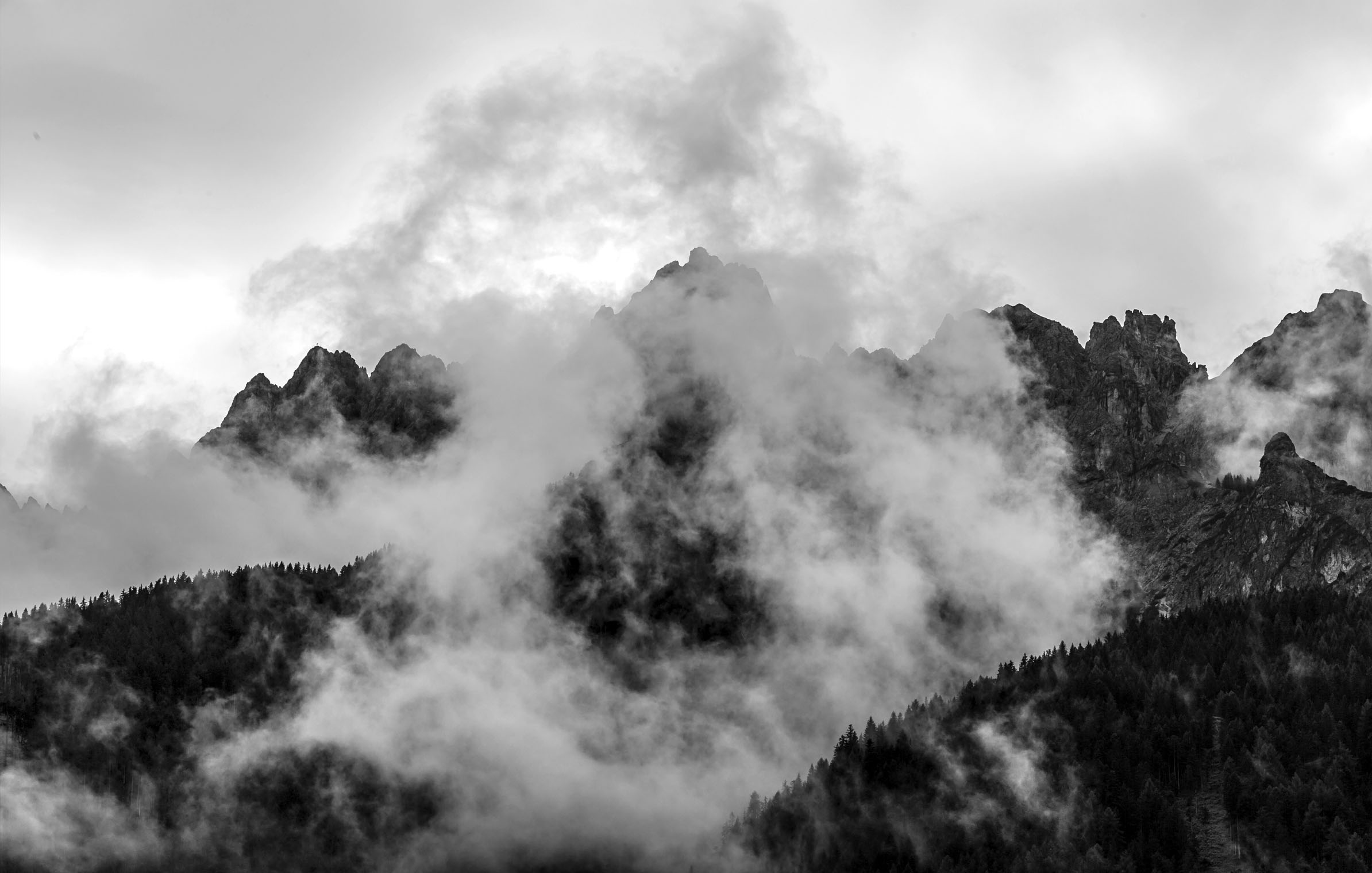 into_the_wild_bike_mountain_adventure_south_tyrol_fog