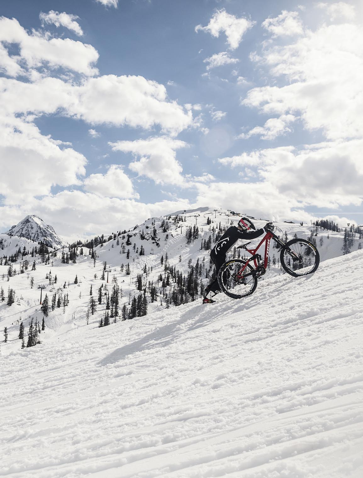 mtb_print_porn_snow_wendi_hirzberger_pushing_bike_downhill