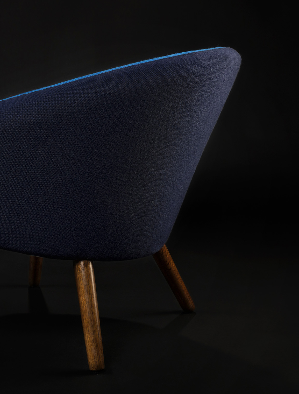 oxandbear_potchair_blue_side