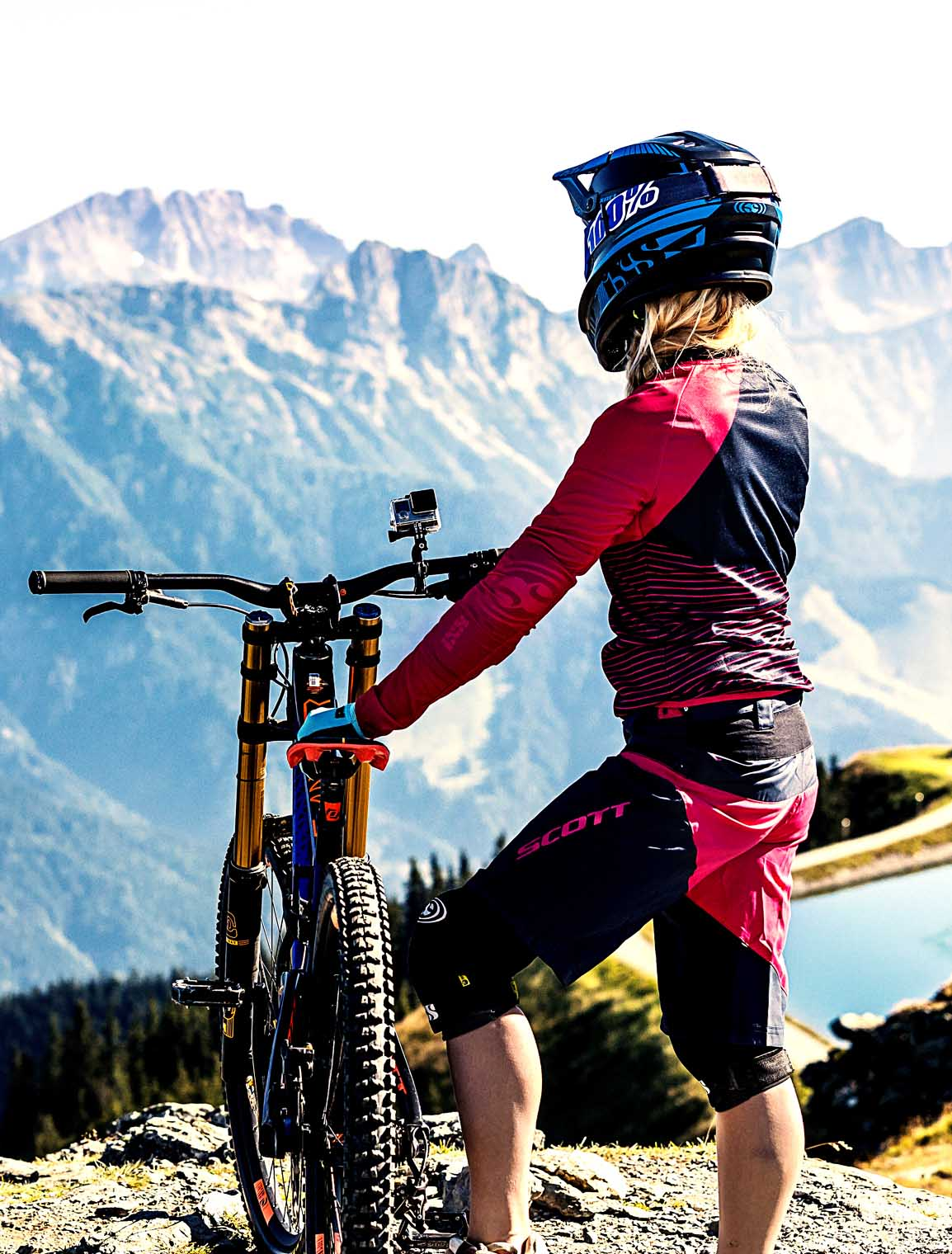 saalfelden_leogang_sunrise_asitz_epic_bike_adventure_walking