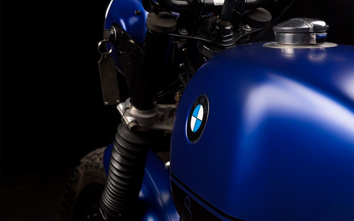 titan_custom_motorcycles_detail_bmw_tank