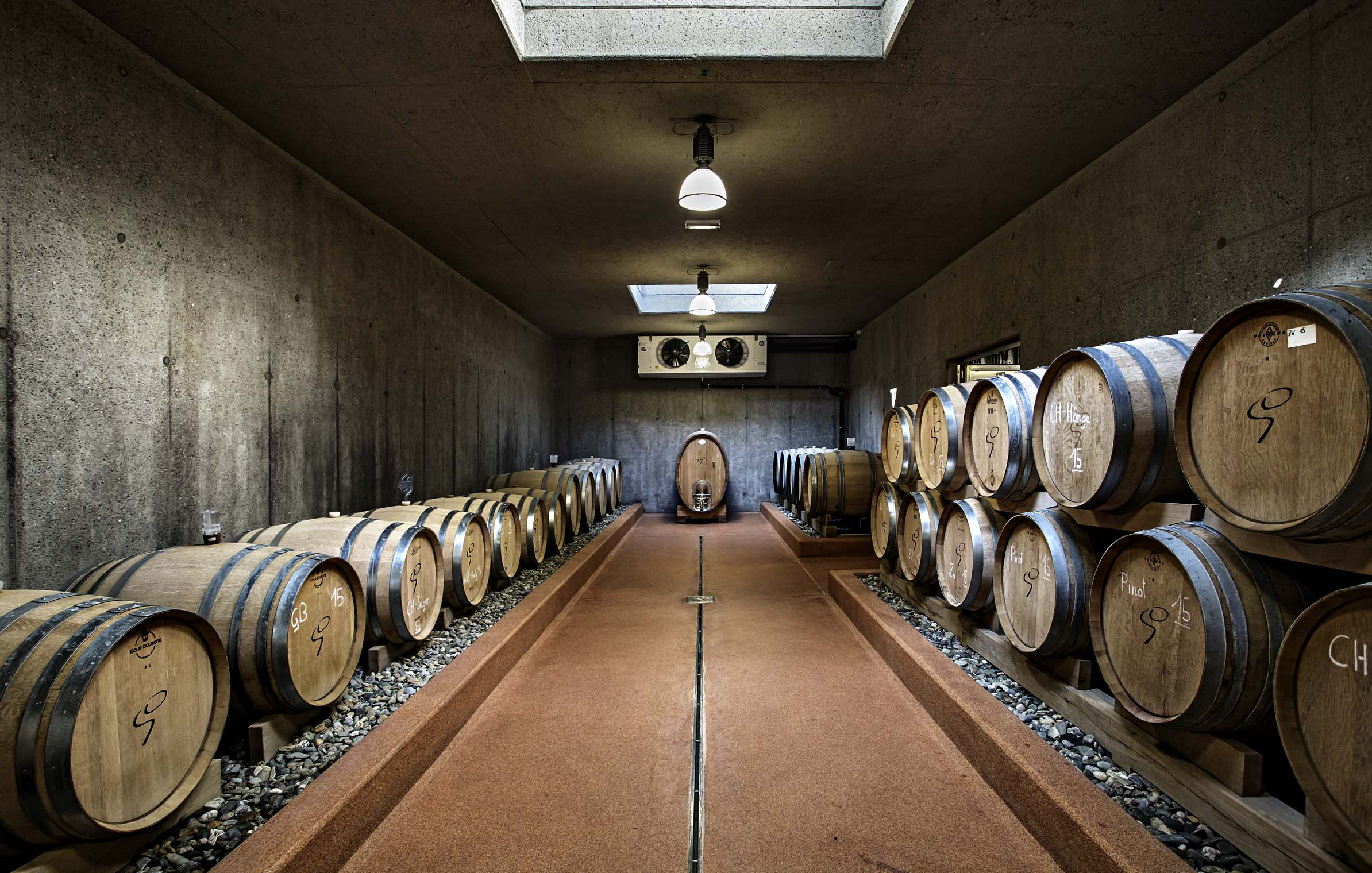 goedwinemakers_wine_cellar_view