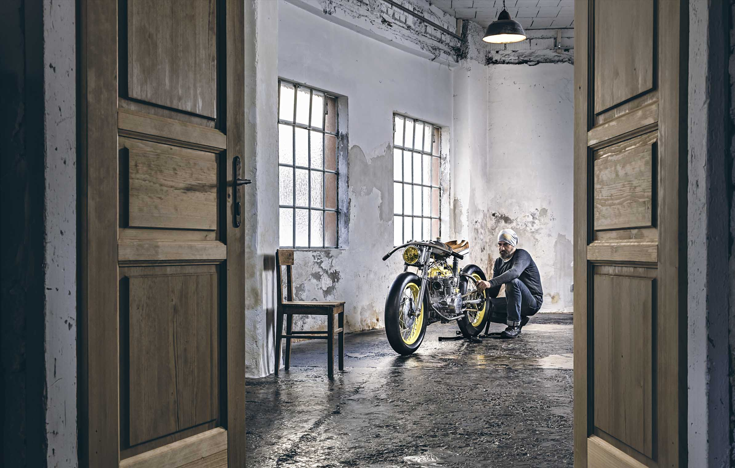 motorcycles_custom_honda_self_built_crazy_yellow_titan_living_room_guy