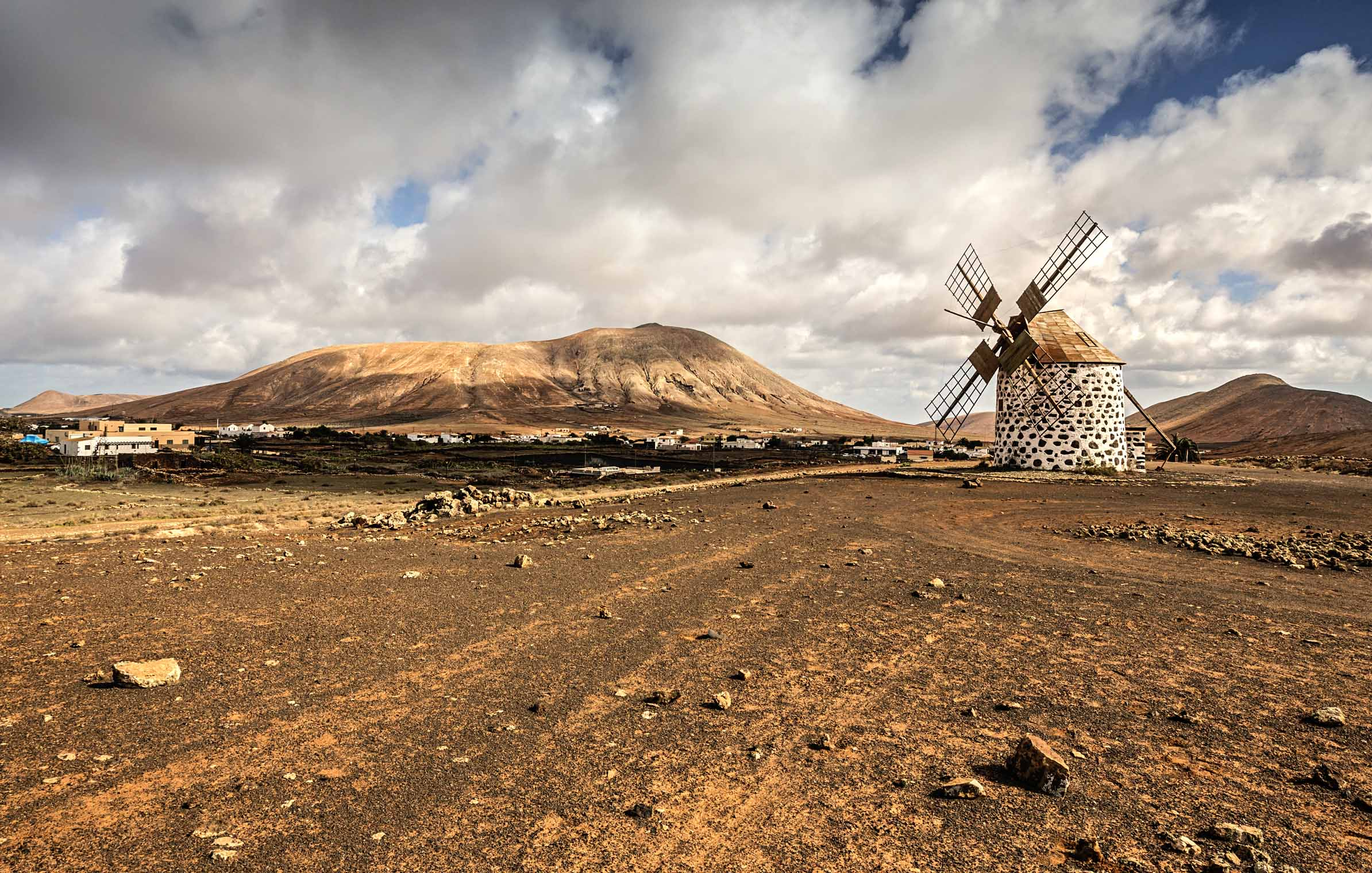 places_fuerteventura_ground_sky_windmill_windmuehle_heat