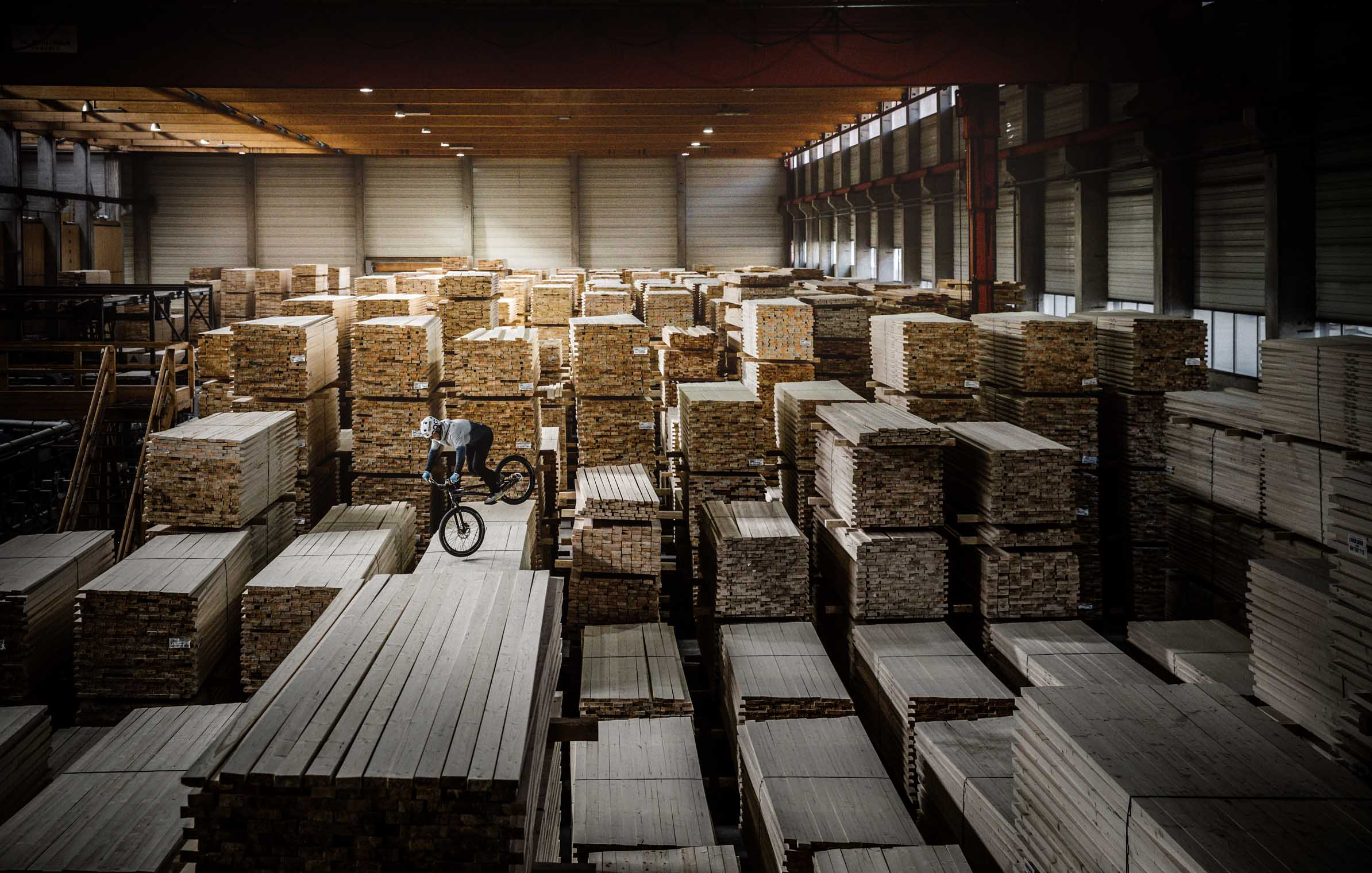 Hasslacher_Norica_Timber_Holz_wood_Bike_Trial_hall