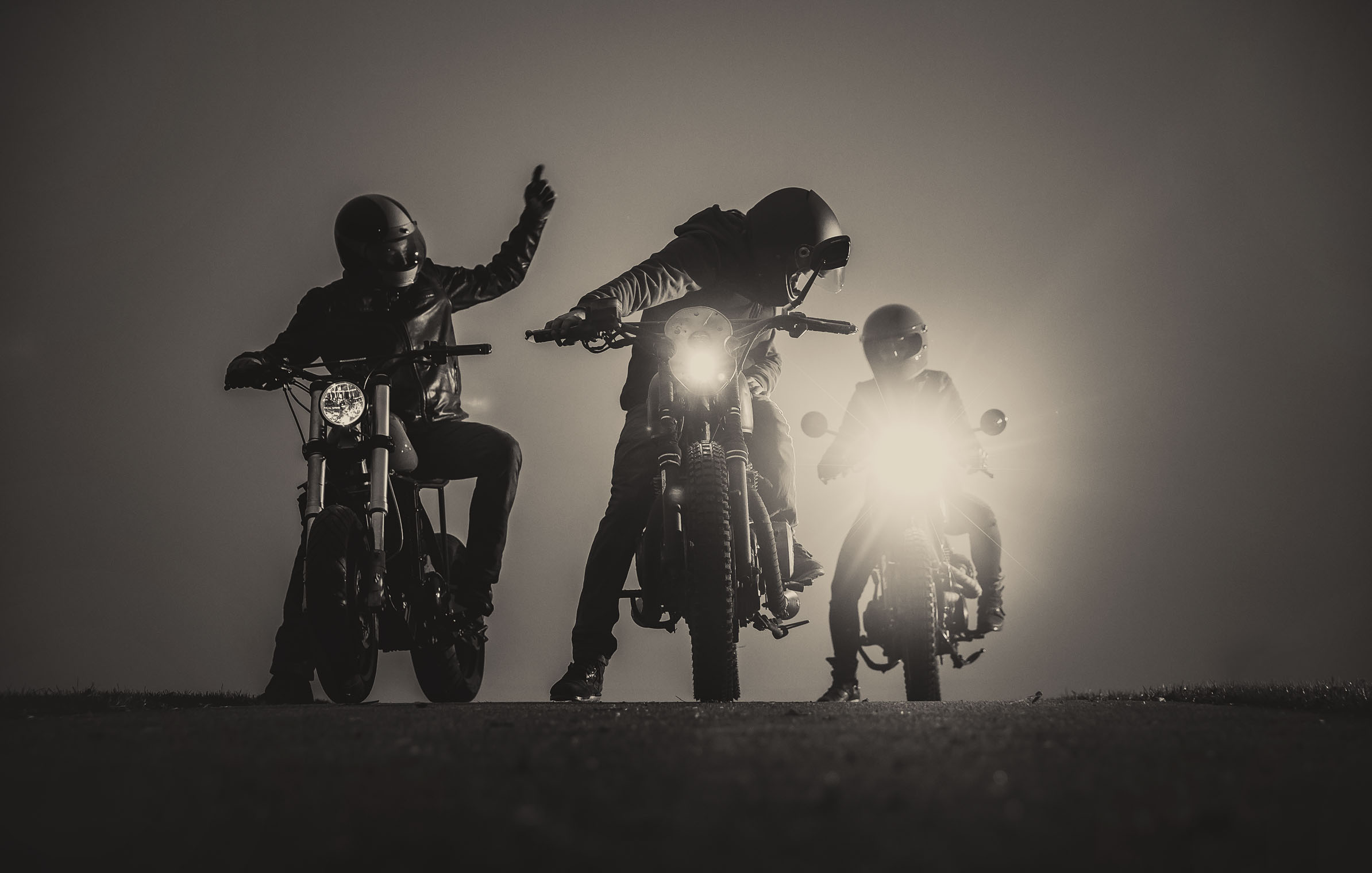 ho_titan_roadtrip_startklar_motorcylce_michl_kälte_cold_winter_new_bw